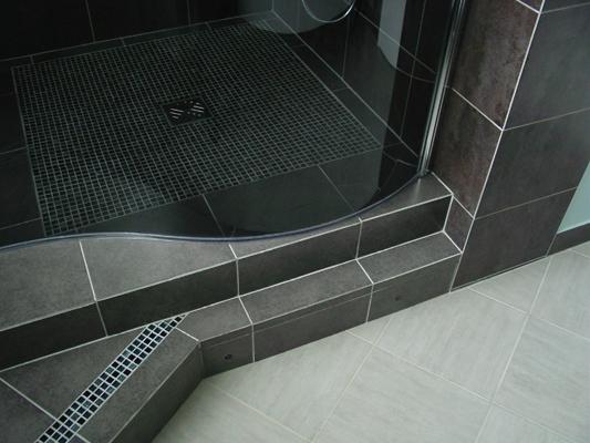 Wedi sol salle de bain salle de bain avec wc photo good night hotel - Poser receveur douche a carreler ...